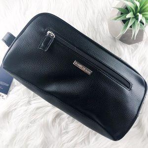 NEW | Tommy Hilfiger Travel Kit Bag